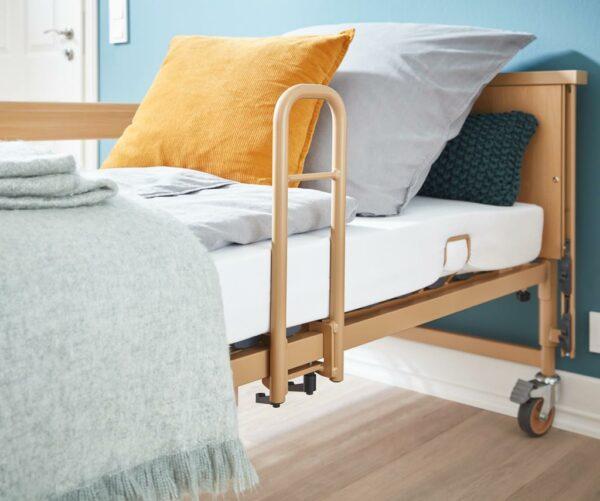 Aufstehhilfe für das Pflegebett